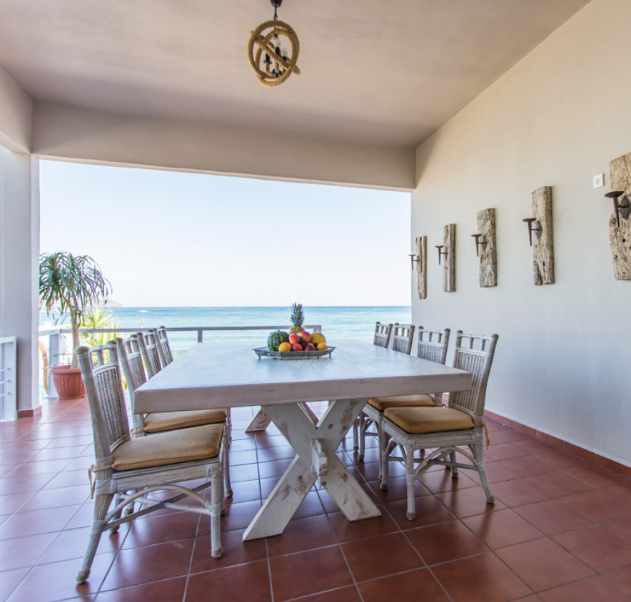 Veranda-sea-view-home-2